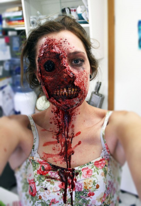 maquillage zombie cicatrice
